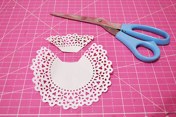 Things-to-Do-With-Doilies-DIY-Dress