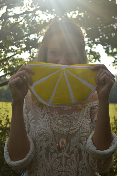 Lemon-Clutch-Bag-DIY-Tutorial