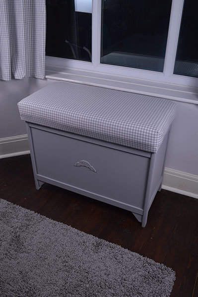 Furniture Renovation - Upcycling an Ottoman
