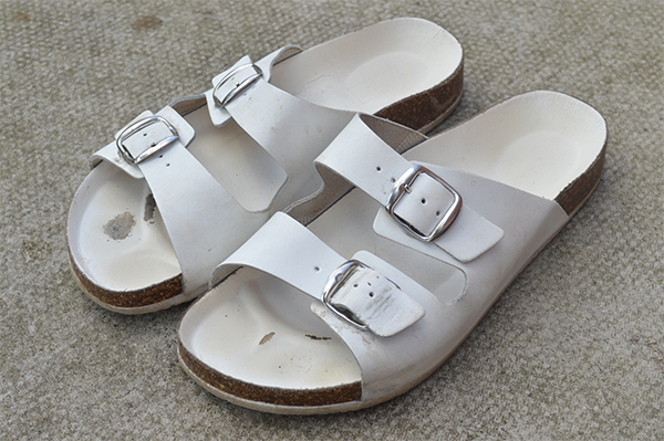 Upcycling Ideas DIY Gold Birkenstocks_b
