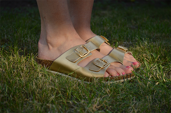 Upcycling Ideas DIY Gold Birkenstocks_i