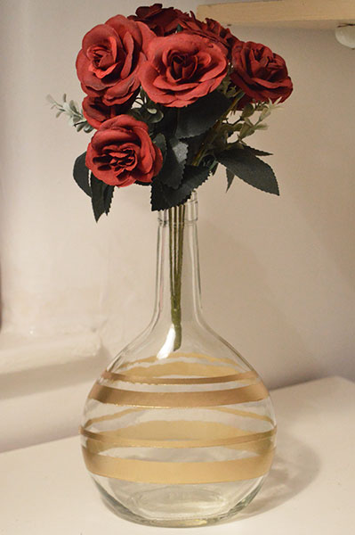 Upcycling-Wine-Bottle-into-vase