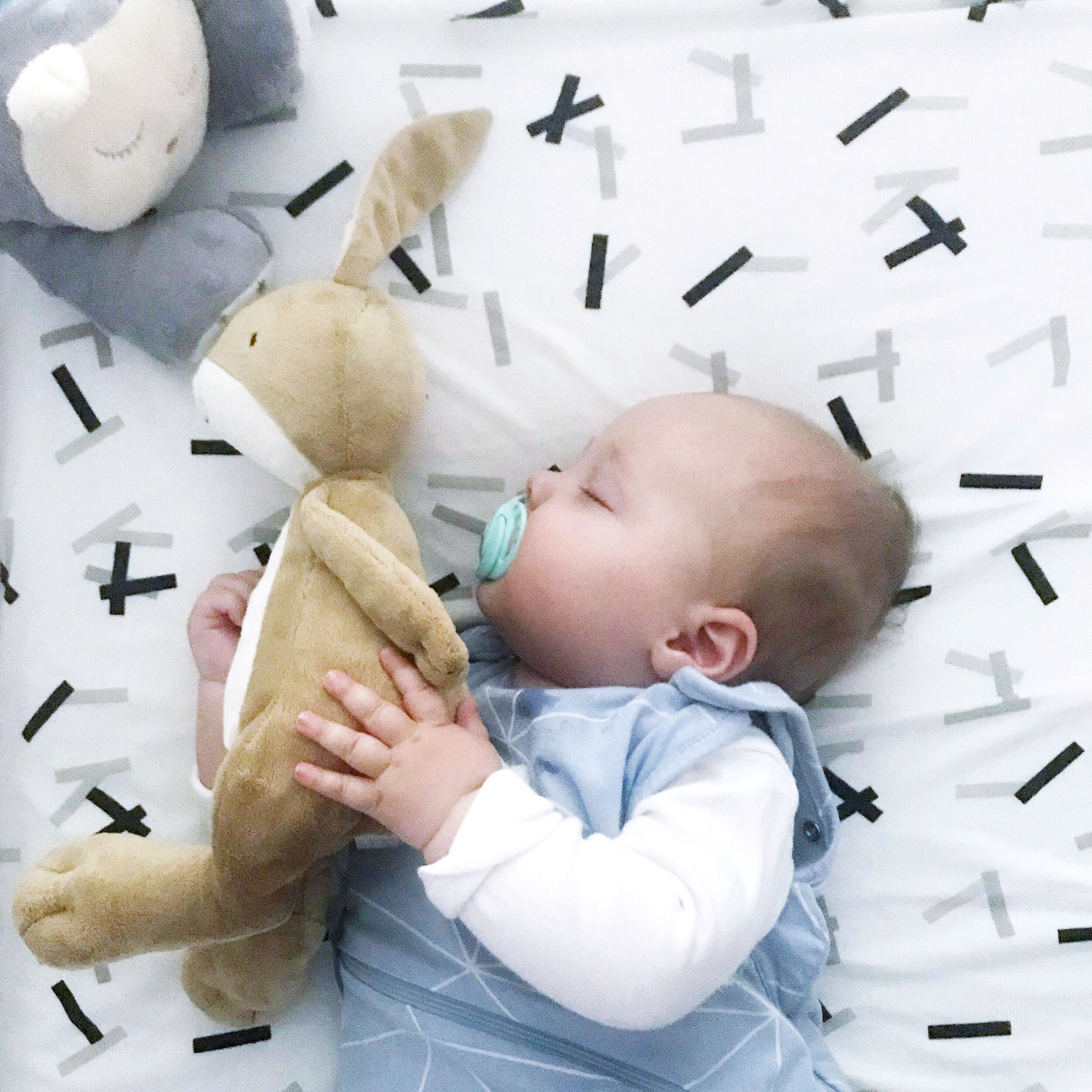 Baby nap and bedtime routine